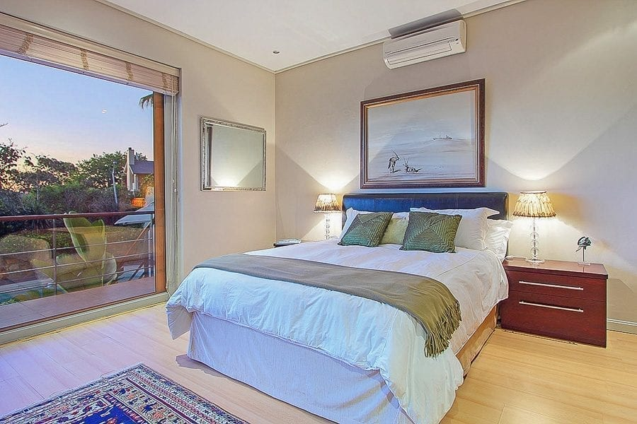 11 Sedgemoor Rd-camps-bay-holiday-villas-luxury-accommodation