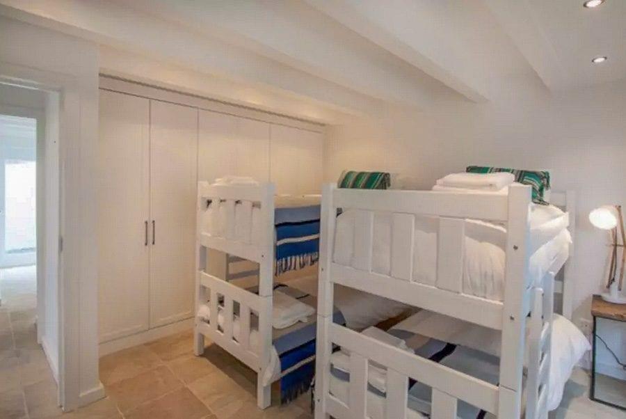 3-glen-beach-vilas-luxury-accommodation-rentals31