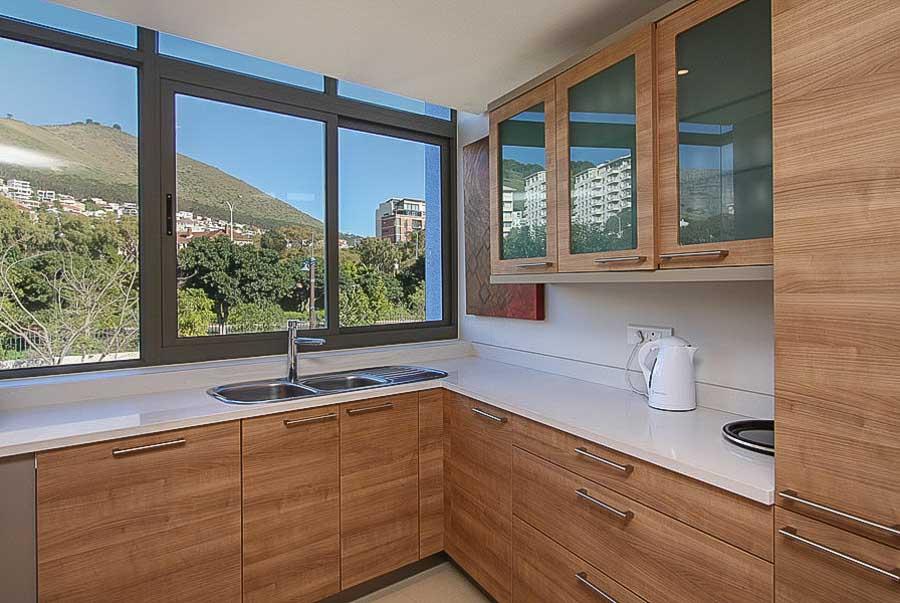 kylemore-410-va-waterfront-holiday-apartments-luxury-accommodation-15-of-15