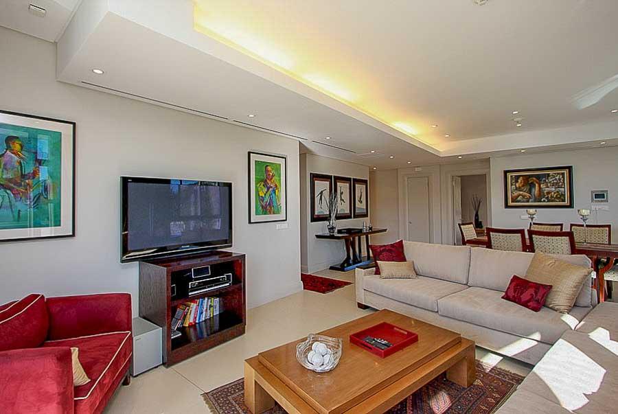 kylemore-410-va-waterfront-holiday-apartments-luxury-accommodation-6-of-15