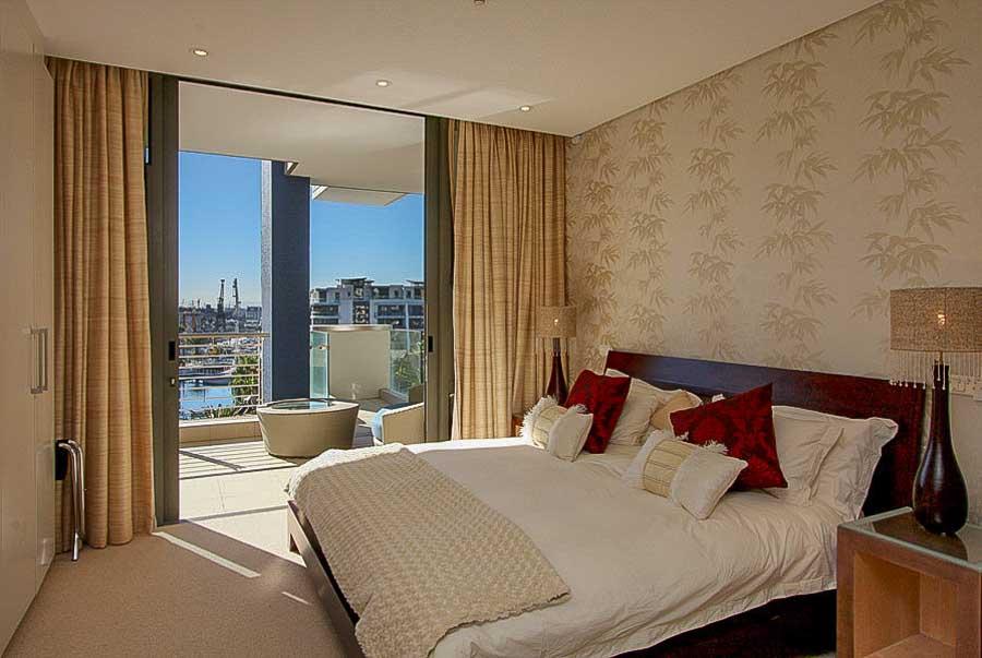 kylemore-410-va-waterfront-holiday-apartments-luxury-accommodation-9-of-15
