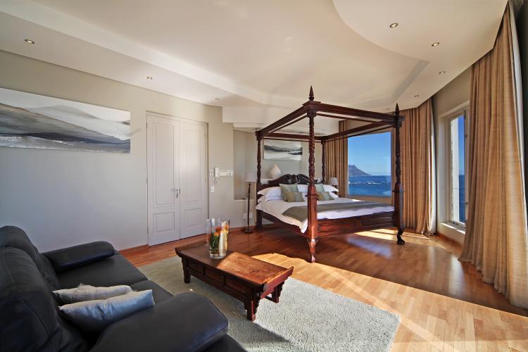 san-michele-bantry-bay-holiday-villas-luxury-accommodation3