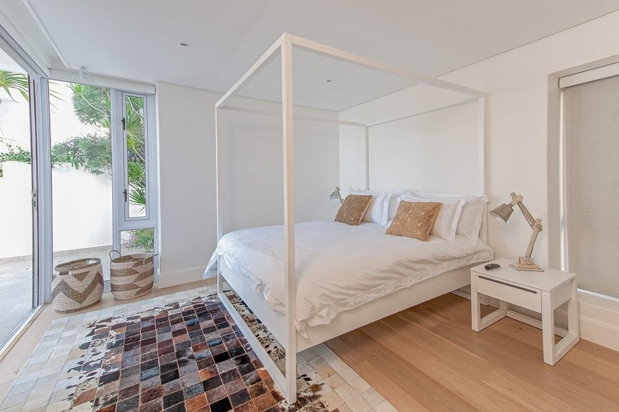 26 Geneva Dr-camps-bay-holiday-villas-luxury-accommodation-9-of-45