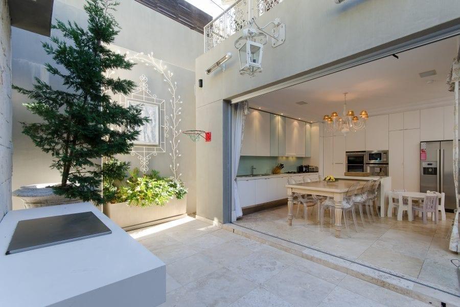 1 Ravine Street Bantry Bay Holiday Villas Luxury Accommodation (9 of 35)